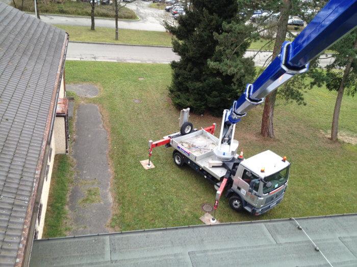 Kranwagen für Dachrinnenreinigung