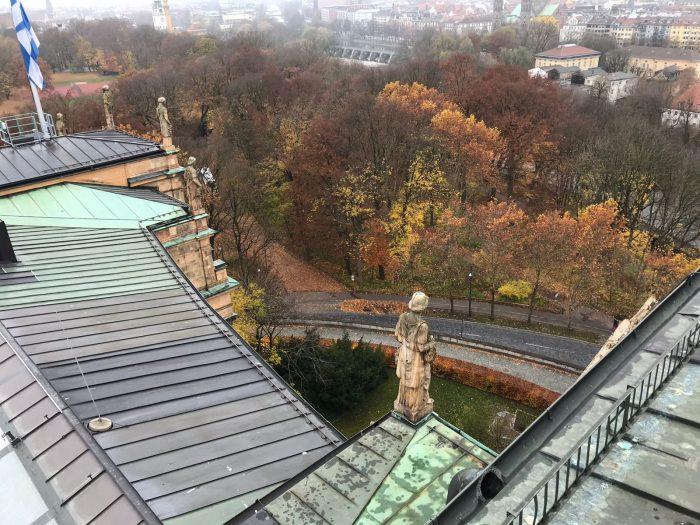 Professionelle Dachrinnenreinigung des Bayrischen Landtags